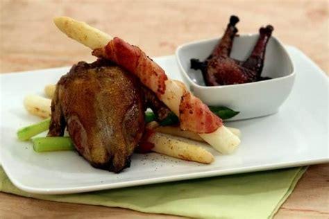cuisine pigeon cocotte pigeon au vin excellentissime