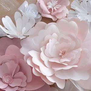 Comment Faire Des Roses En Papier : fabriquer des fleurs en papier jolies fleurs en papier de soie a fabriquer pour decorer sa table ~ Melissatoandfro.com Idées de Décoration