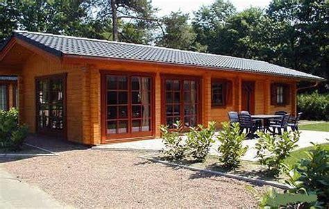 cottage in legno prefabbricati le 25 migliori idee su di legno su