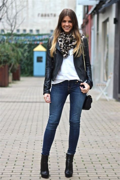 Casual outfit with black leather jacket | outfits | Pinterest | Florence Ankle boots and Black ...