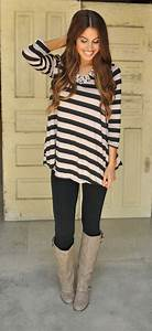10 Classic Outfit Ideas For Leggings And Tights   Blonde Mom Blog