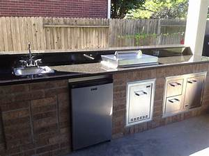 Show me outdoor kitchens designs modern home design ideas for Kitchen cabinet trends 2018 combined with outdoor company stickers