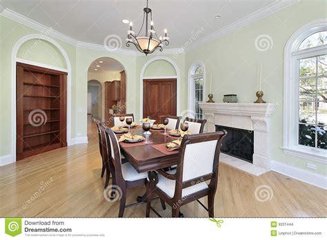 pareti sala da pranzo sala da pranzo con le pareti verdi immagini stock
