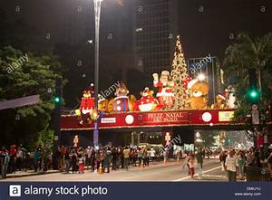 Weihnachten In Brasilien : sao paulo brazil 14th dec 2013 on stage christmas decoration is stock photo 64356198 alamy ~ Eleganceandgraceweddings.com Haus und Dekorationen