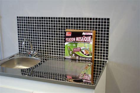 cr馘ence mosaique cuisine mosaique autocollante pour cuisine maison design bahbe com