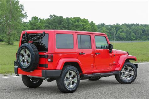 2017 Jeep Wrangler Jk jeep wrangler gets new lights and cold weather gear for