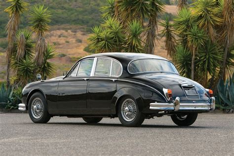 jaguar mark ii  original gentlemans getaway car