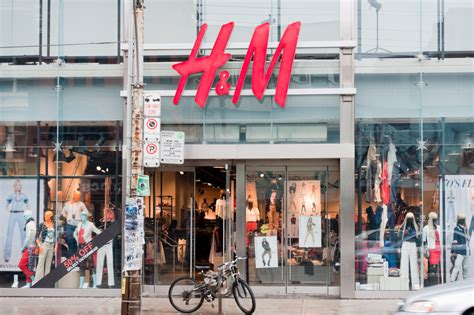 H&m Uses Group Sms To Bring The Store To You