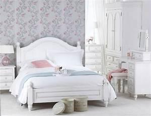 Schlafzimmer Weiße Möbel : schlafzimmer shabby chic wei e m bel blumenmuster tapeten schlafzimmer pinterest shabby ~ Markanthonyermac.com Haus und Dekorationen