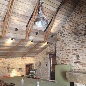 Toit En Bois : bardage bois d 39 chafaudage brut sous pentes de toit la ~ Melissatoandfro.com Idées de Décoration