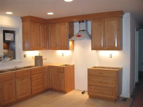 crown moulding ideas for kitchen cabinets kitchen cabinet crown molding ideas crown kitchen