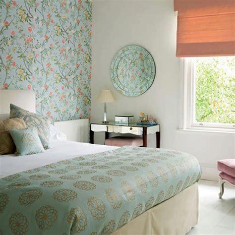 decoration papier peint chambre les papiers peints en tant que décoration chambre créative