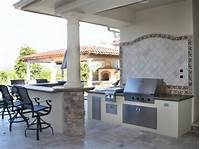 pictures of outdoor kitchens Outdoor Kitchen Cabinet Ideas: Pictures, Tips & Expert ...