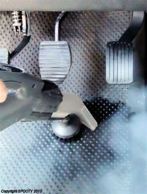 nettoyer ma voiture avec un aspirateur nettoyeur vapeur