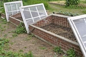 Wann Balkon Bepflanzen : fr hbeet wann k nnen sie es bepflanzen ~ Frokenaadalensverden.com Haus und Dekorationen