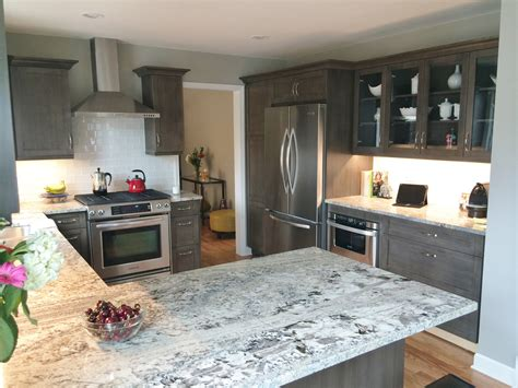the pros and cons of granite kitchen countertops
