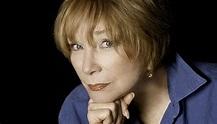 Shirley MacLaine Wins AARP Career Achievement Award