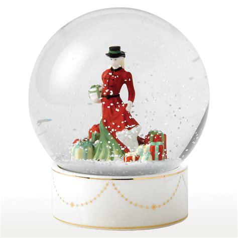 christmas gifts snow globe hn5524 royal doulton figurine