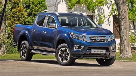 The nissan navara is packed full of features to support your work and play needs. Nissan Navara (2016-present) Pictures   BuyaCar