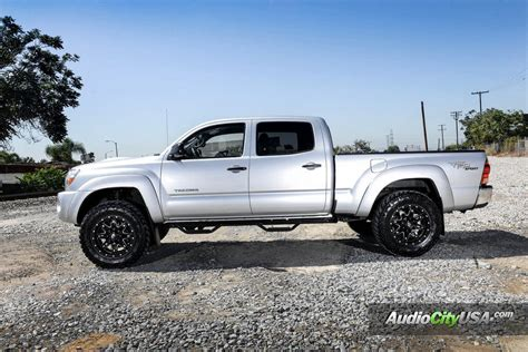 "Toyota Tacoma TRD   18"" Fuel Wheels Lethal D567   Nitto"