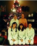 32 Family Christmas Ca...