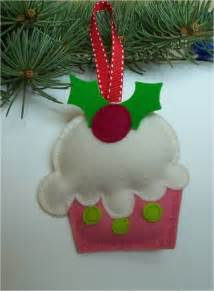 felt christmas tree ornaments make handmade crochet craft