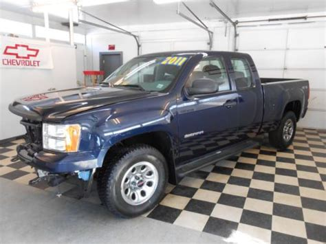 buy   gmc sierra  reserve ext cab   salvage rebuildable  utica  york