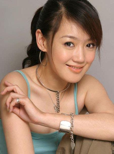薛佳凝回应与胡歌绯闻 坚称是好朋友-搜狐娱乐