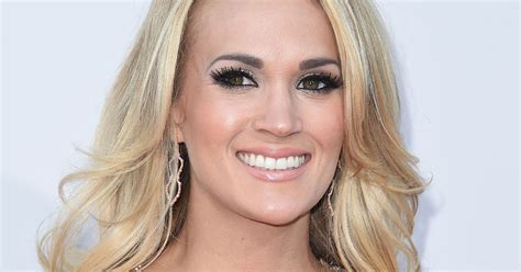 Carrie Underwood On Grazing From The Fridge