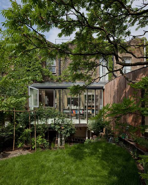 Tree House In London By 6a Architects Yellowtrace