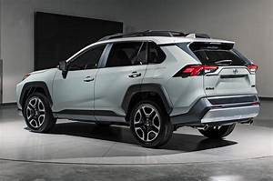Toyota Rav 4 2019 : 2019 toyota rav4 first look new look for the suv sales king motor trend canada ~ Medecine-chirurgie-esthetiques.com Avis de Voitures