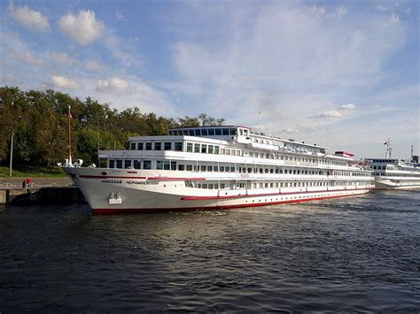 3-Star Russian River Cruise - St. Petersburg - Golden Ring - Moscow - 11 Days (CR-01)