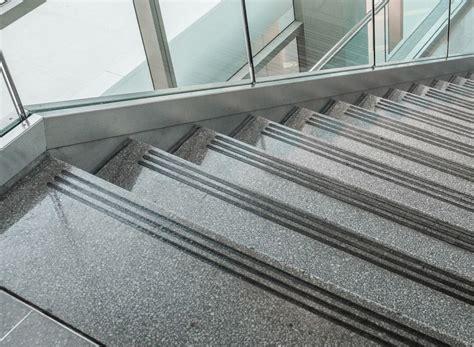 anti rutsch streifen 3cm gummiert anthrazit schwarz treppe stufen matte kaufen bei rang