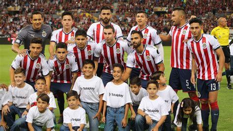 chivas players protest club directors  lack  bonuses