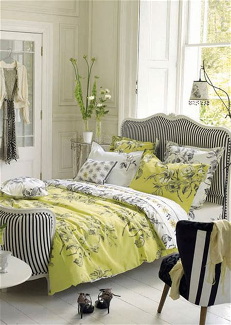 Bedroom Decorating Ideas Yellow And Green by Light Gray And Yellow Color Scheme Calm Fall Decorating Ideas