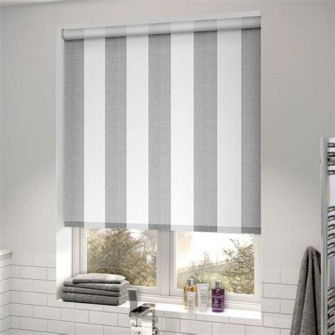 Best 25  Grey roller blinds ideas on Pinterest   Blinds