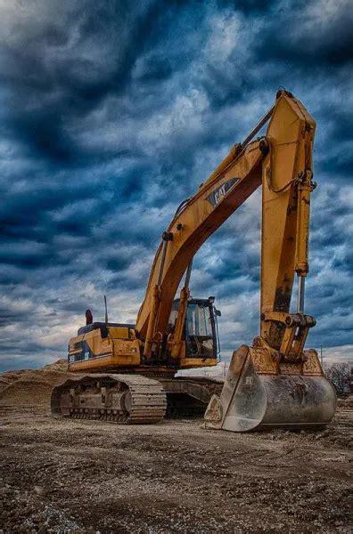 money   excavator operator  mahines