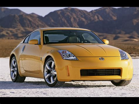 2005 Nissan 35th Anniversary 350z Front Angle