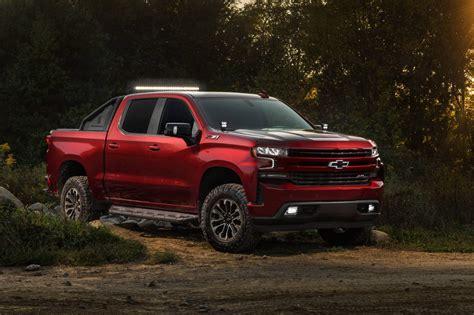 Chevrolet Tunes Four 2019 Silverado 1500 Models, Calls