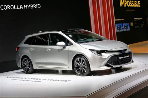 toyota corolla  generation  debut  november