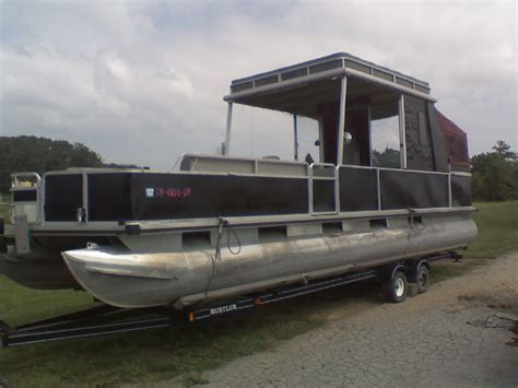 30 Pontoon Boat by Rebuildlng A 30 Sun Tracker Partyhut Pontoon Boat
