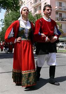 Men In Traditional Dress Of Italy Pictures to Pin on ...