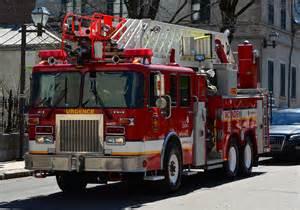 Armoire Camion De Pompier by File Camion De Pompier Qu 233 Bec Jpg Wikimedia Commons