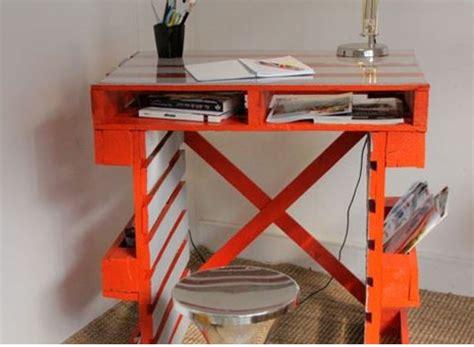 fabriquer bureau en palette comment faire un bureau en palette
