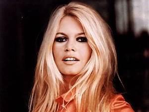 Brigitte Bardot Biography - Childhood, Life Achievements ...  Brigitte