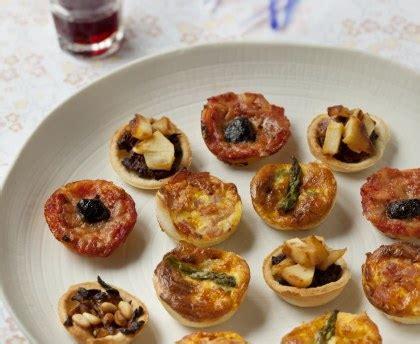 cuisine au four à bois assortiments de mini tartelettes salées recette de