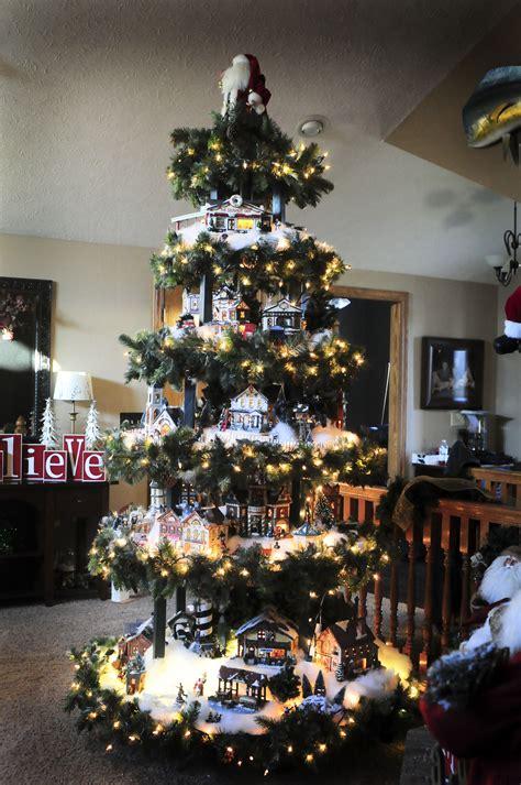 Christmas Tree Corner Shelf Plans