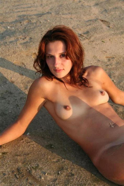 Nice Redhead Milf Posing On The Beach Russian Sexy Girls