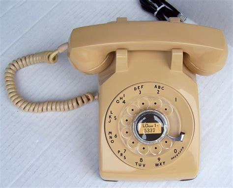 Western Electric 500 Beige Rotary Dial Desk Phone