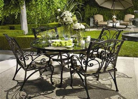 iron furniture adding modern elegance to outdoor home
